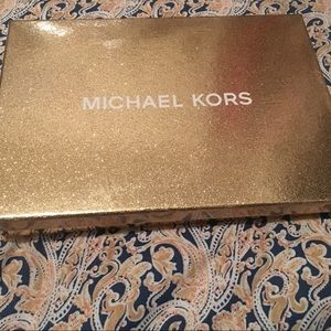 NEW! Michael Kors Wristlet!